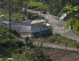 Hidro Santa Cruz over The Q'ambalam River.